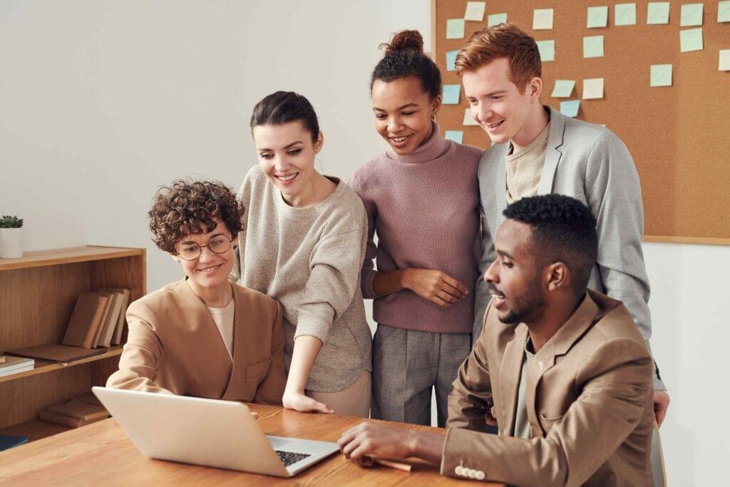 equipes-motivadas-capacitacao-e-desenvolvimento-de-pessoas